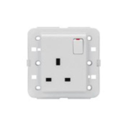 Picture of SWITCHED SOCKET BRITISH STAN.2P+E 13A PEARL WHITE